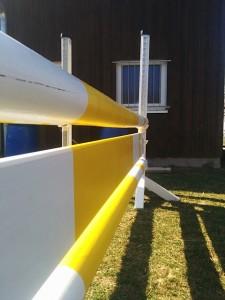 Steilsprung weiß-gelb